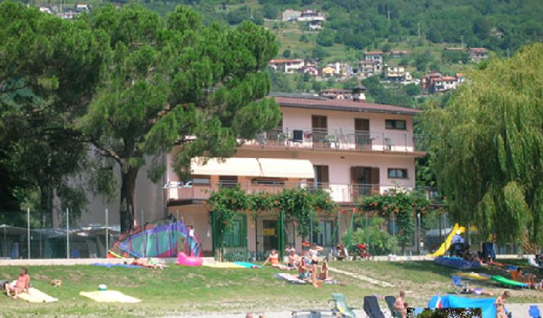 Camping Domaso Lago di Como Golden Sheep
